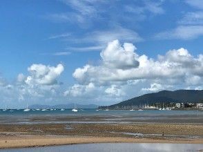 Tide's Out, Airlie Beach